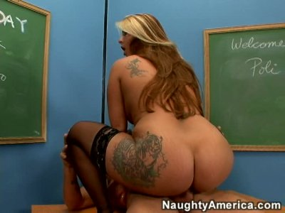 Bad teacher and her student fuck on the table