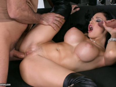 Fabulous Aletta Ocean gets pounded deep in her asshole in threesome action