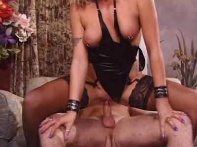 Steamy fuck for Mandi in sexy black lingerie