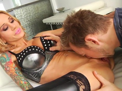 Inked hottie Sarah Jessie bounces on a hard cock