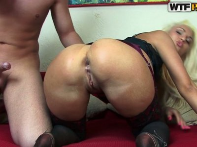 Hussy jade Jocelyn gets her asshole stretched as hell and banged hard doggy style