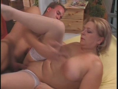 Juicy knockers of rapacious granny Lauren bounce while she rides big cock