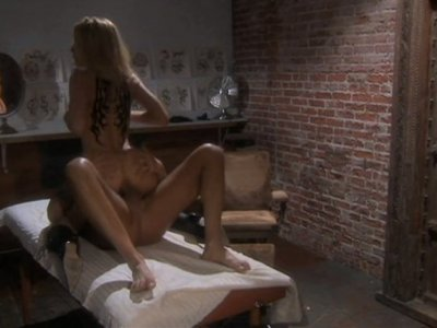 Sizzling hot milf Jessica Drake fucks doggy style and strokes dick for cumload