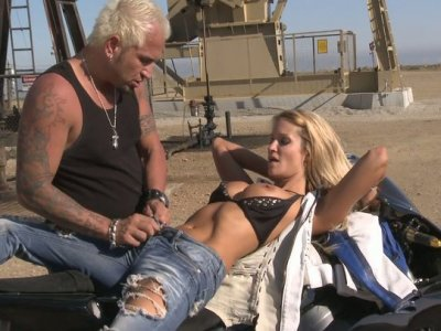 Sexited and ardent blondie Jessica Drake sucks the biker's dick