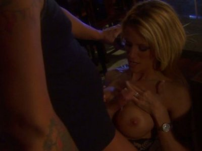 Night quickie on the kitchen with blonde sexpot Jessica Drake