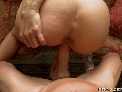 Voracious slut Julia Ann gets hammered hard doggy style