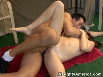 Pale Sindee Jennings gets ready for a tough fuck