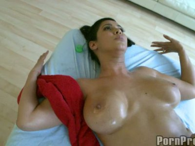 Seductive brunette Isis Love in towel gets finally fucked