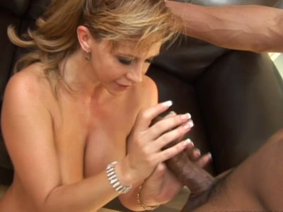 Seductive MILF Phyllisha Anne is fucking in a passionate interracial sex video