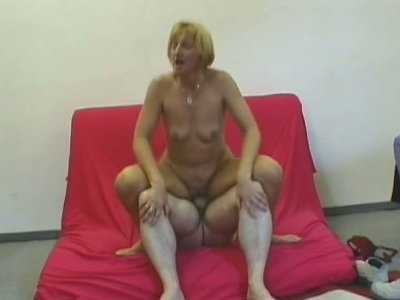 Rather lissom blondie Jennifer is ready for a nonstop fuck on the couch