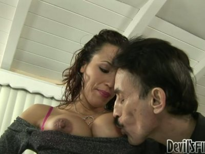 Layla Rivera gets her hairy pussy eaten and then she gives deepthroat blowjob